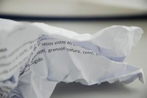 紙の折りジワ