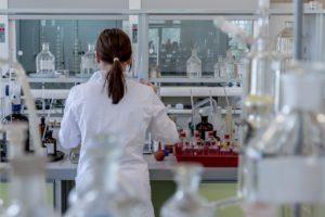 製薬会社の実験室